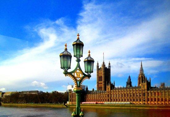 Falcon Hotel : View from London Bridge