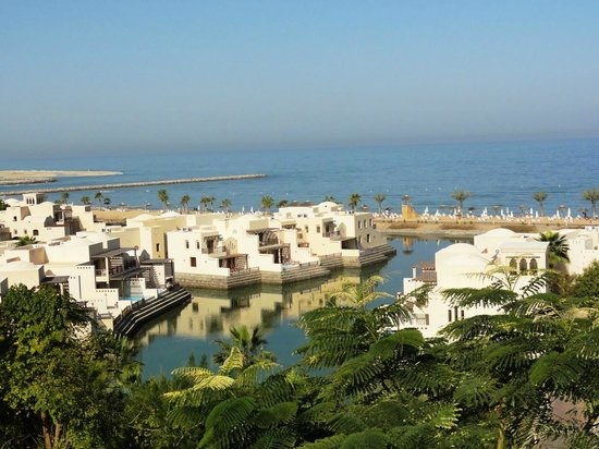 Cove Rotana Resort Ras Al Khaimah: Villas and beach area