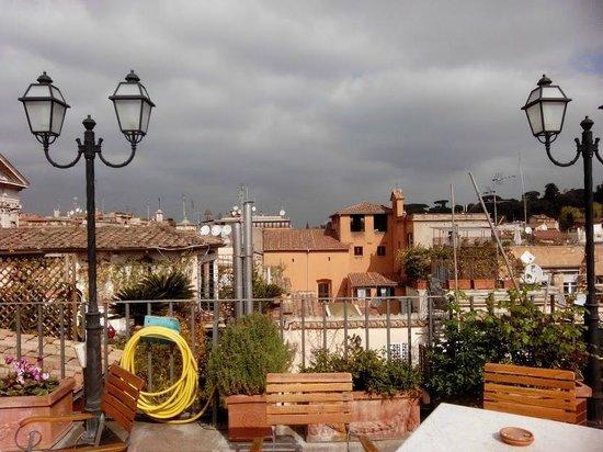 Hotel Mozart: vue de la terrasse du 5ème de l'hotel