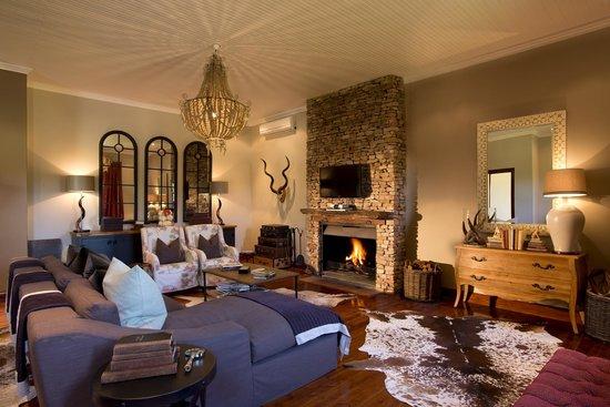 Kwandwe Private Game Reserve: Kwandwe Melton Manor reading room