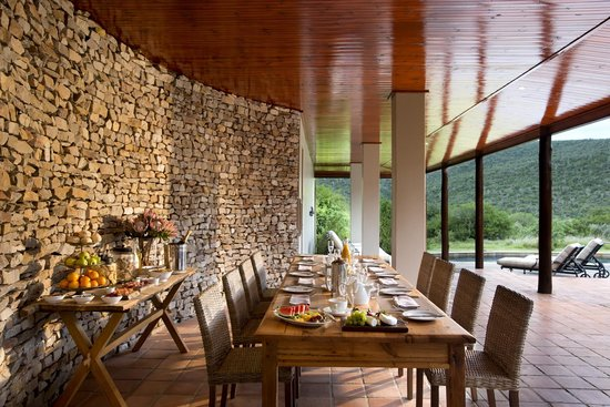 Kwandwe Private Game Reserve: Kwandwe Melton Manor dining on the terrace