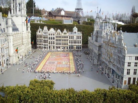Mini-Europe: La grand place
