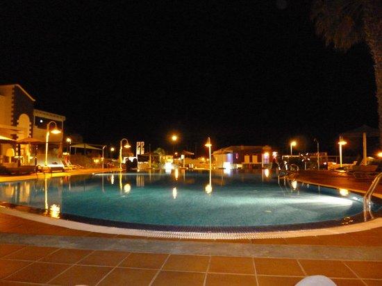 Pueblo Marinero: Pool At Night