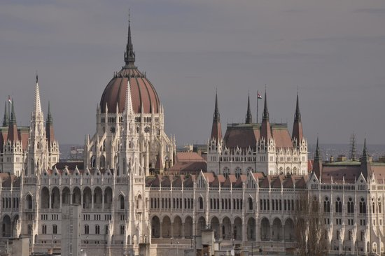 B & B Bellevue Budapest : The Hungarian Parliament