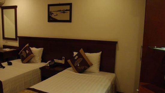 May De Ville Backpackers Hostel: Room