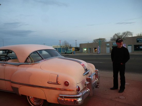Blue Swallow Motel: Old Pontiac--still runs!