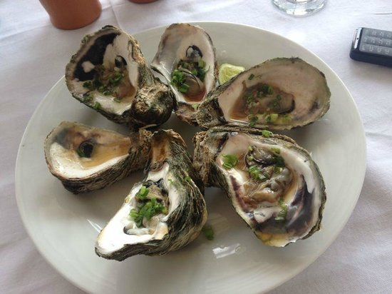 Cafe Ceylon : Raw Oysters with an Asian sauce