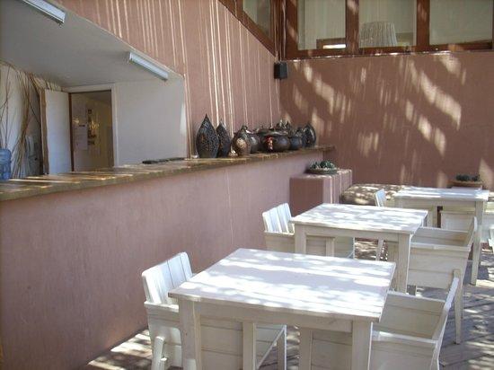 Hotel Noi Casa Atacama: Patio
