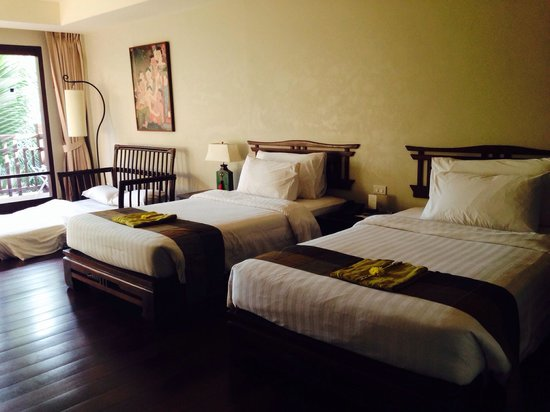 Khaolak Laguna Resort: Two double bed with an extrabed at only $100