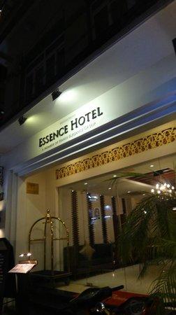 Essence Restaurant: entrada do restaurante