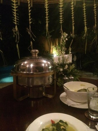 Impiana Private Villas Seminyak : Beautiful night for a villa BBQ!