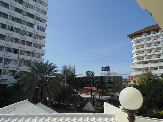 Mermaid's Beach Resort Jomtien: Вид с балкона
