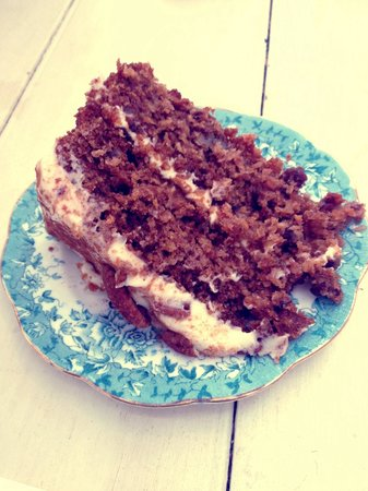 The Front Room Penzance: Tasty gluten free carrot cake :)