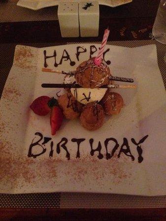 Oliver's With A Twist : Birthday girls desert