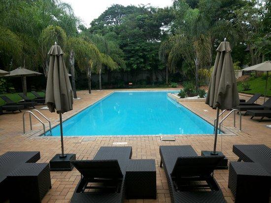 Taj Pamodzi Hotel: Pool area