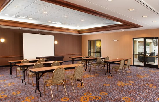 Courtyard Charlotte Gastonia: Our meeting rooms are perfect for seminars and many other functions.