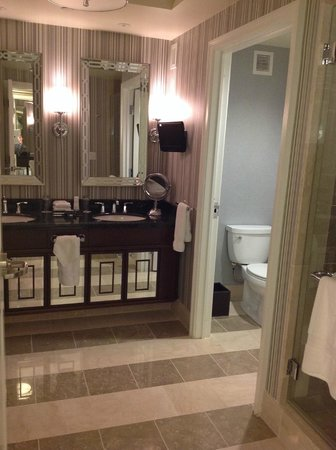 Caesars Palace : bathroom