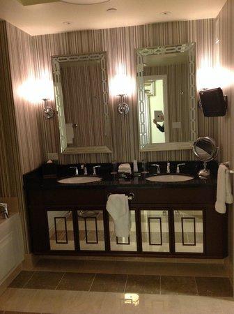 Caesars Palace : bathroom