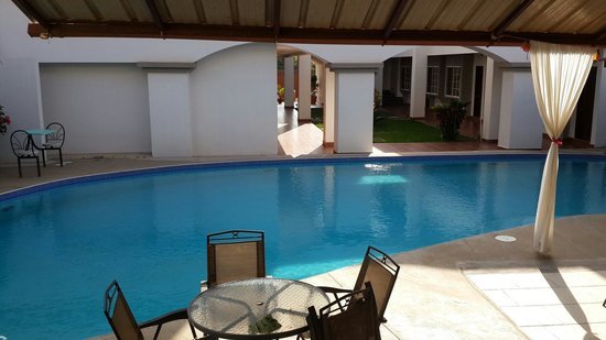 Hotel Papa Beto: Area de la piscina
