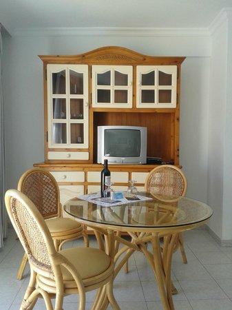 Apartamentos Playa Delphin Photo