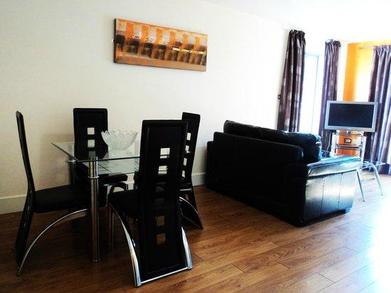 City Nites: Lounge area