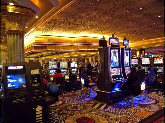 MGM Grand Hotel and Casino: MGM at Night