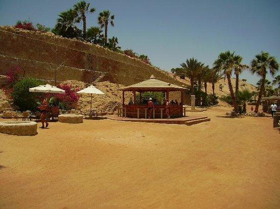 Citadel Azur Resort: Бар на пляже отеля рядом с королевской логуной