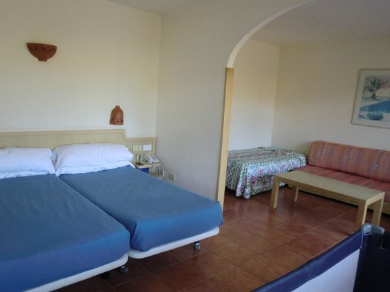 IFA Interclub Atlantic Hotel: Spacious room, very comfortable and spotlessly clean