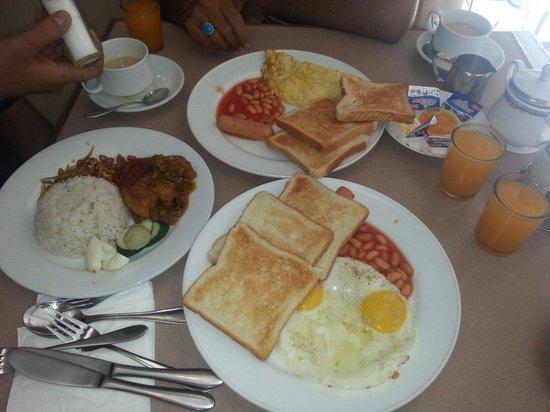 Bintang Warisan Hotel Kuala Lumpur : Breakfast at bintang warisan hotel