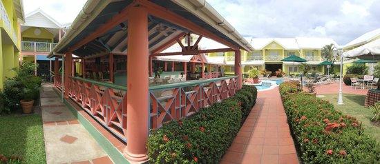 Bay Gardens Hotel: dining area