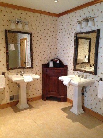 Chippewa Retreat Resort : Bathroom