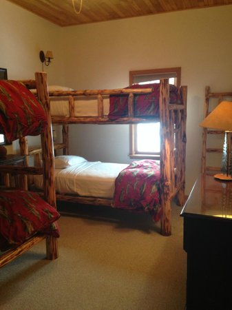 Chippewa Retreat Resort: Lakeview Bedroom