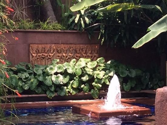 Sheraton Grande Sukhumvit, A Luxury Collection Hotel: pool garden