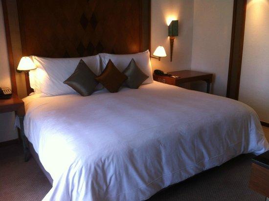 The Sukhothai Bangkok: amazingly comfortable bed