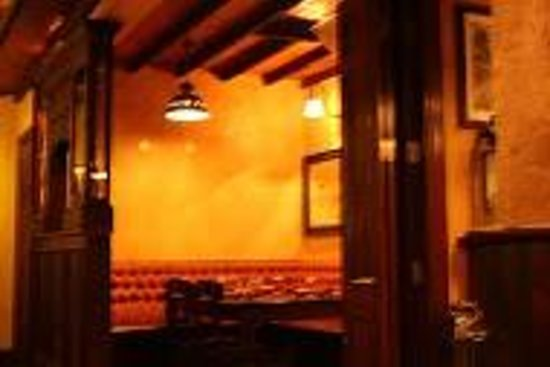 McMunns Restaurant : Snug