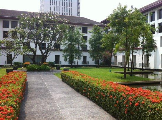 The Sukhothai Bangkok: the gardens of the Sukhothai