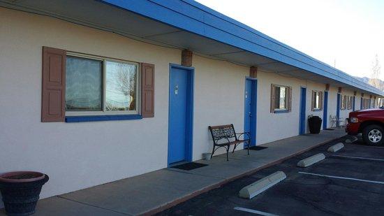 The White Eagle Inn & Family Lodge: The motel