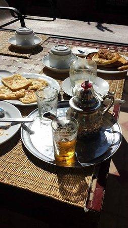 Riad L'Emir : petit gouter avec le meilleur thé de marrakech