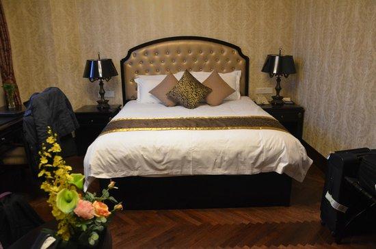 Astor House Hotel: Bedroom