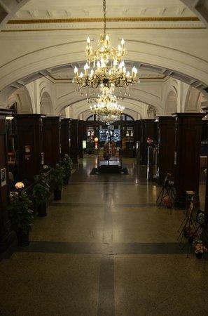 Astor House Hotel : corridor