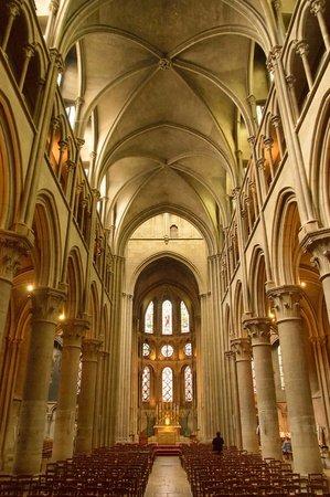Notre-Dame de Dijon : The interior is spectacular