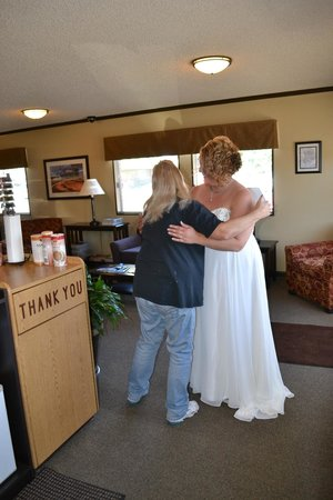 Yellowstone Motel : Bride with Sharon
