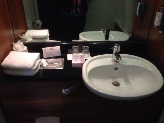 Temple Bar Hotel: Standard bathroom