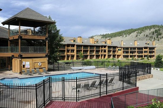 Inn at Silver Creek: Outdoor Pool Area