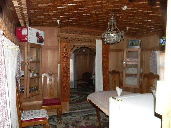 Houseboat Golden Crest : Dinning room