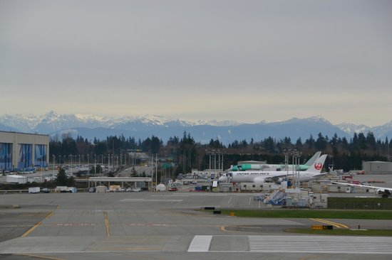 The Future of Flight Aviation Center & BoeingTour: mountains in distance of Boeing plant