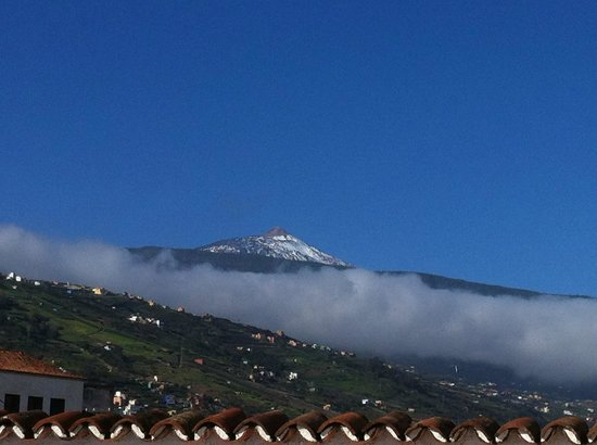 Hotel Rural Victoria: View from roof terrace, El Teide