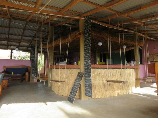 Nemasu Eco-lodge: The bar - complete with swing sets