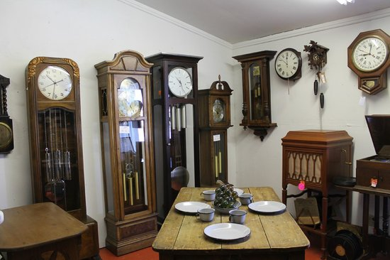 A Moment In Time Antiques & Collectables