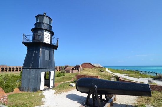 Dry Tortugas National Park: Fort Jefferson scenic view